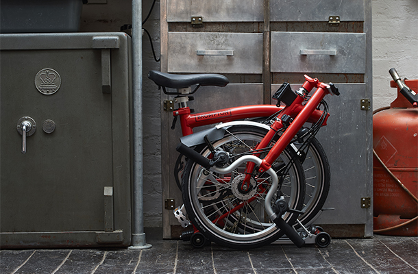 How big is a folded Brompton? - The dimensions of a folded Brompton are 585mm high x 565mm long x 270mm wide (23