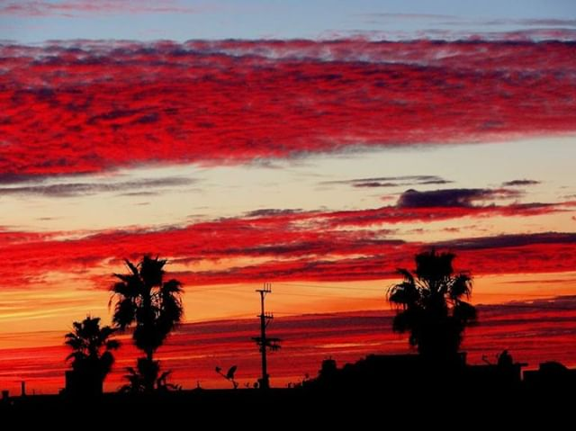 Red skies at night, sailor's delight....