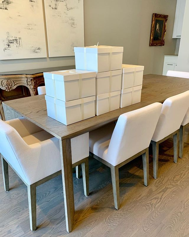 HUGE wedding invitation order all packaged up at the studio and ready to head out the door for a stunning wedding at the Ritz Carlton Chicago with @designereventchicago ❤️ #custominvitations #luxurywedding #chicagowedding #ritzcarlton
