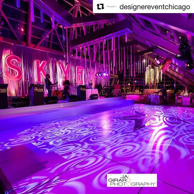 From the custom invitations all the way down to the laser cut menu cards, every detail was pure perfection 💕 #Repost @designereventchicago with @get_repost ・・・ SKYE Full of Stars #batmitzvah #custominvitations #luxuryinvitations #luxuryevent #luxurydecor #uplighting #adlerplanetarium #custom #menucards #lasercut #foil #letterpress #glitter #pink #dailydoseofpaper #invitations