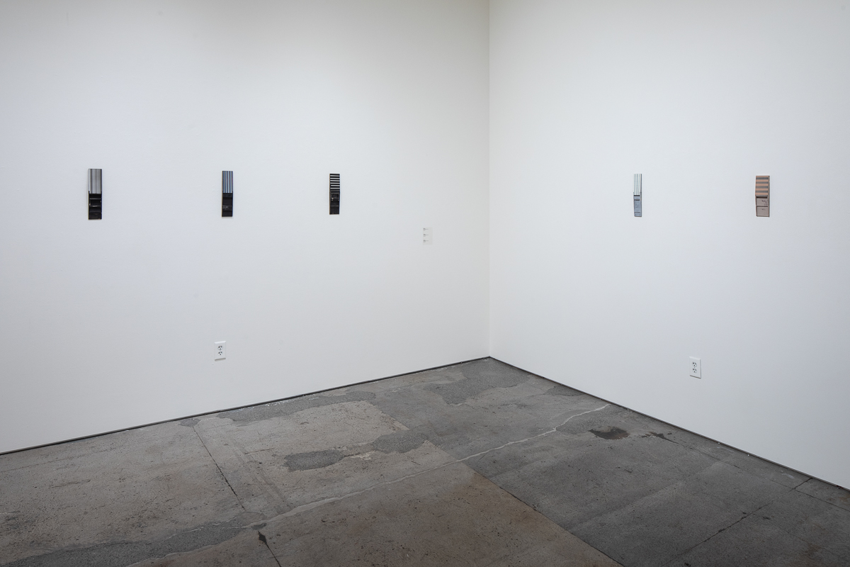 Dallas_SculpturalPaintings_install21_e.JPG