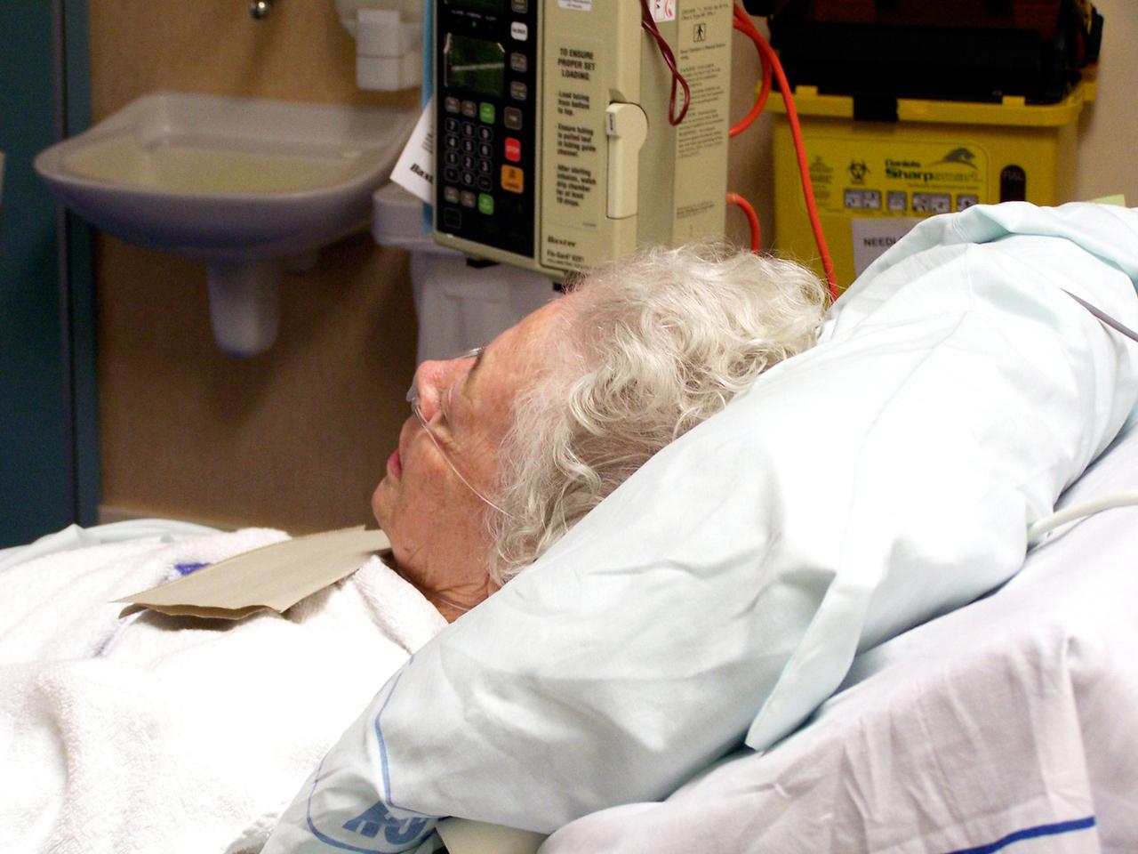 elderly-hospital-patient-1437289-1280x960.jpg
