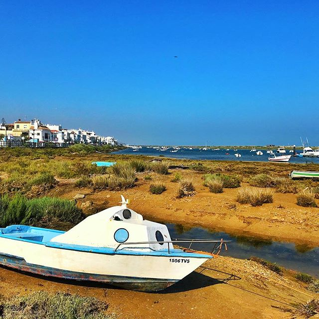 A very welcomed return to the south of #Portugal ✌️ . . . #tavira #cabanasdetavira #algarve #boat #coast #beach #travelphotography #travel #igersportugal