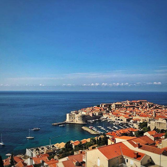 Pozdravi from #Dubrovnik! 🇭🇷 ☀️ . . . #croatia #igerscroatia #europe #travel #travelphotography #vacation