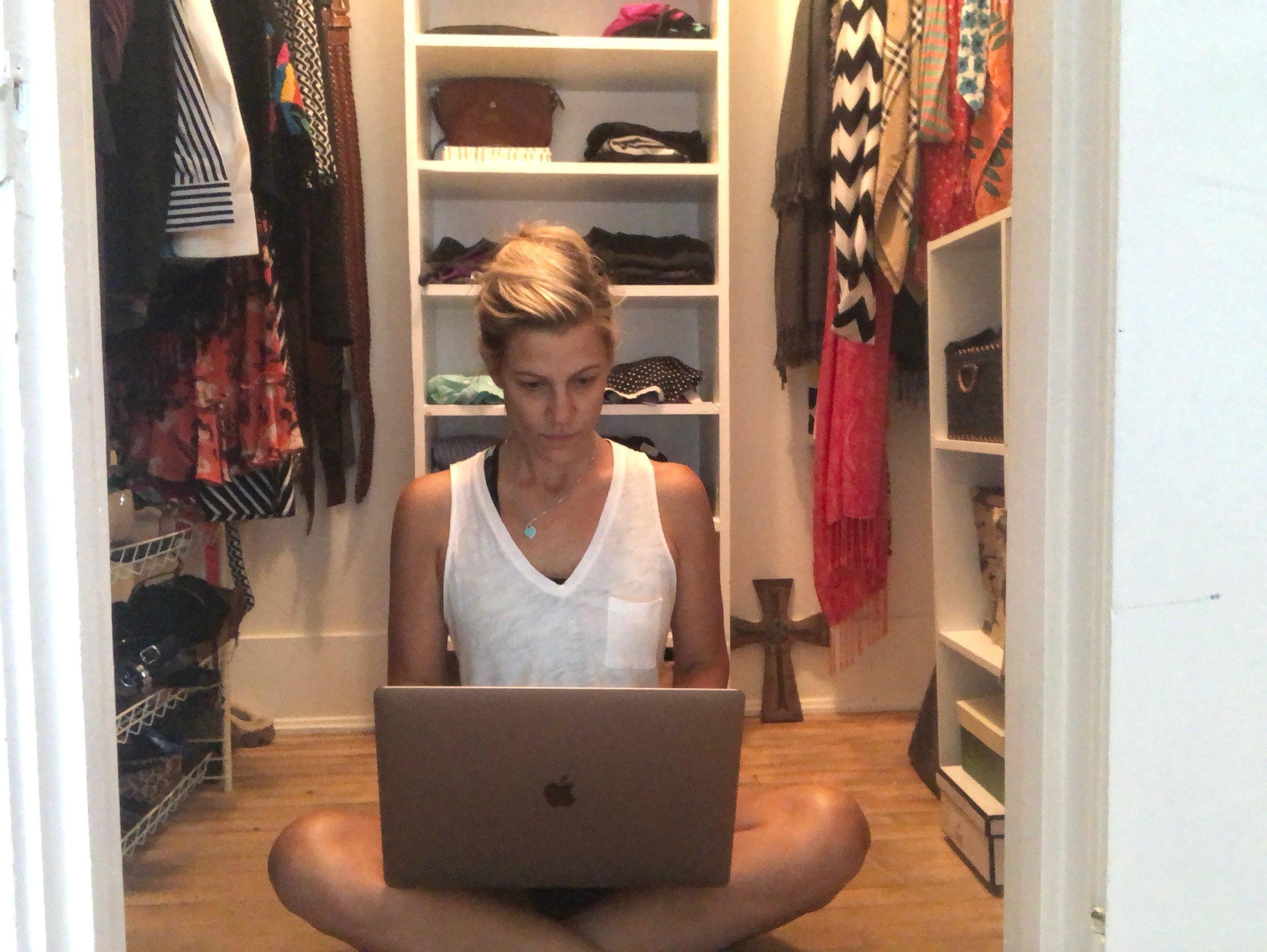 Me Blogging about Capsule Wardbrobe.jpeg