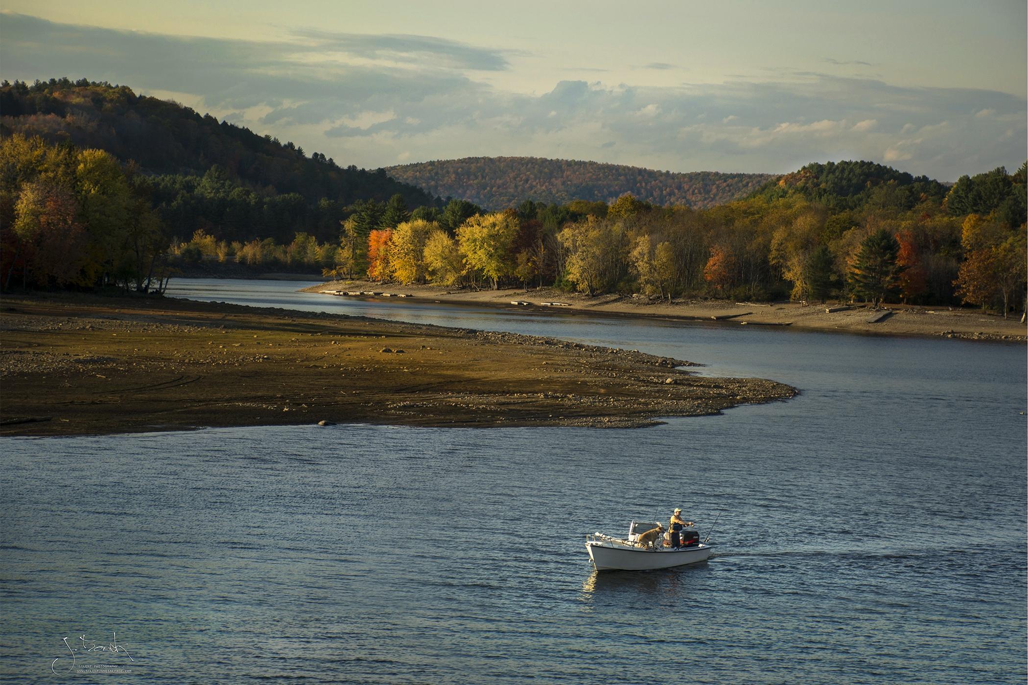 Sacandaga Fishing w Dog 3516 300ppi 5x7.jpg