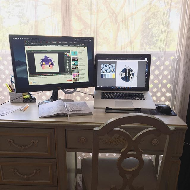 My new creative station! More illustrations and design is coming ☺️🙌💪 👉 @oksana.oh thank you!