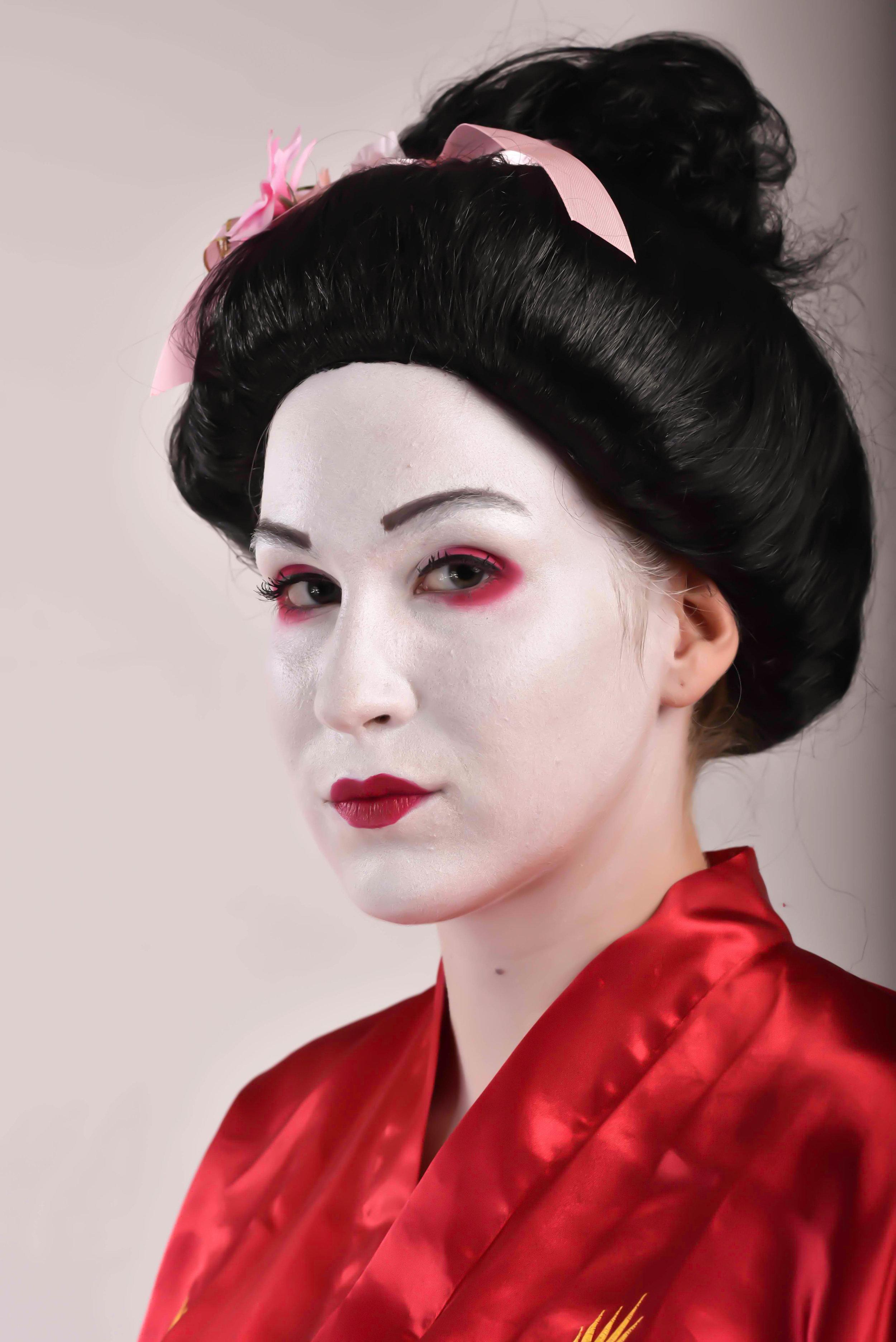geisha-2.jpg