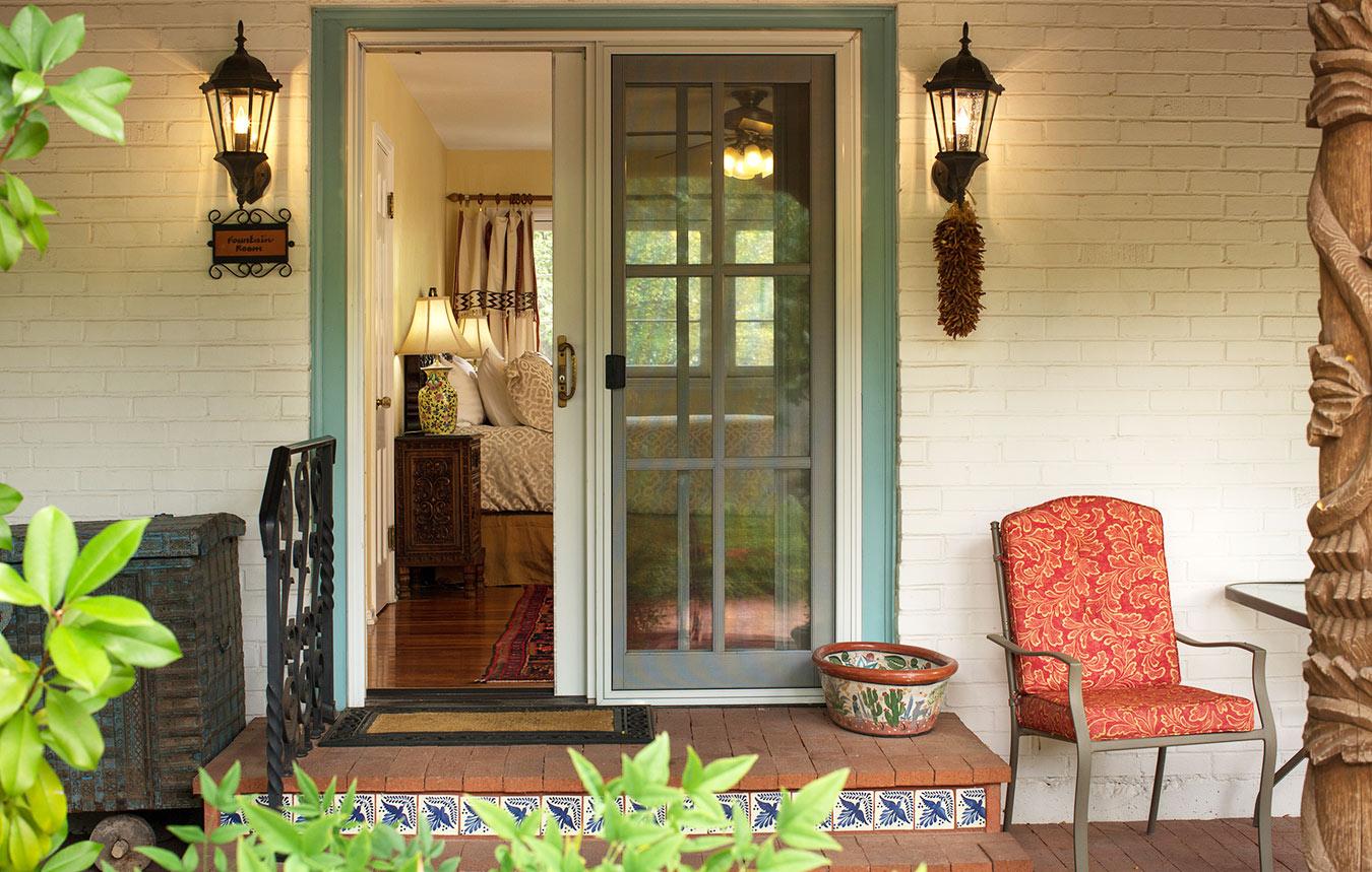 casa-fountain-room-patio-entry.jpg