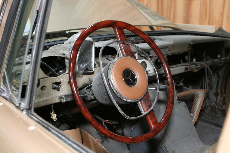 1025 1968 600 SWB 10.JPG