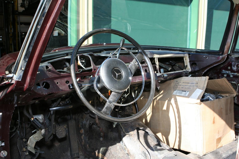 9479 1967 300SE Coupe 10.JPG