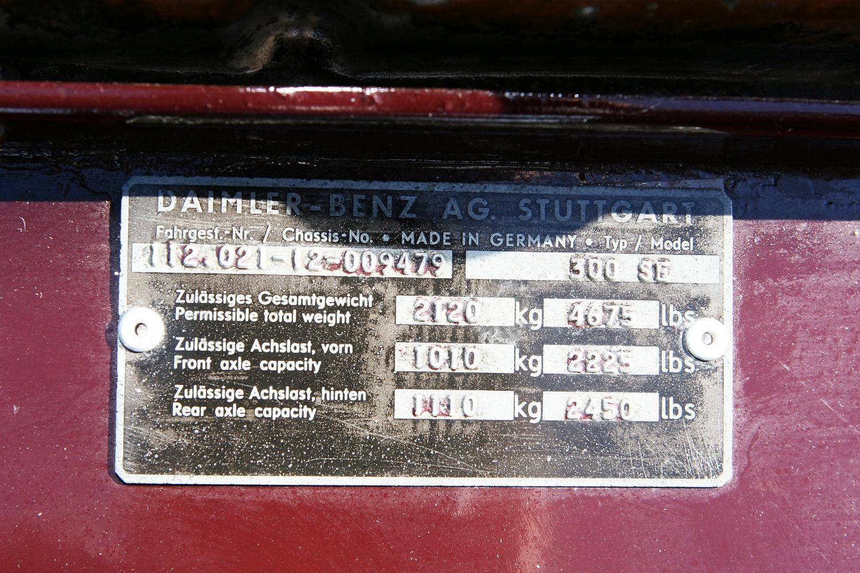 9479 1967 300SE Coupe 17.JPG