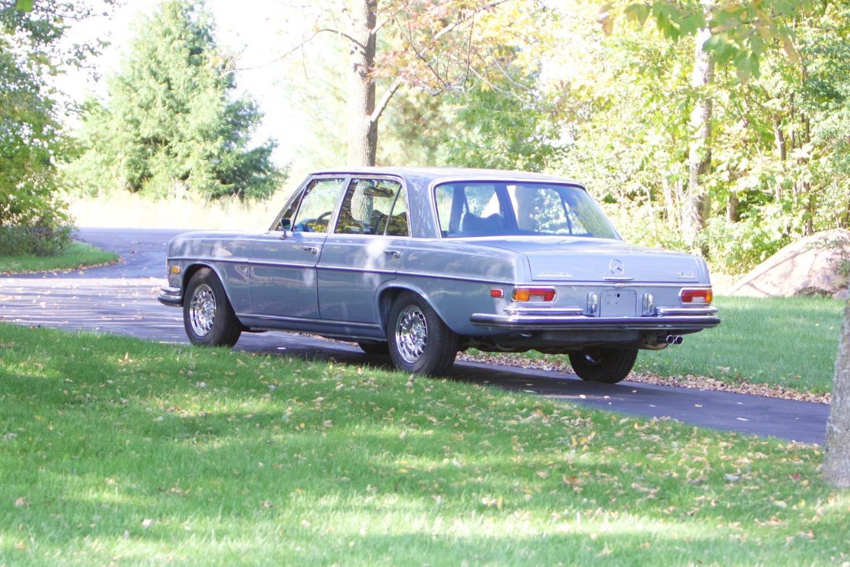 VIN 2875 1970 300SEL 6.3 Silver Blue Metallic - 2.jpg