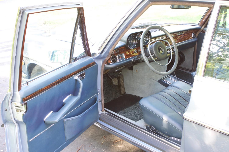 VIN 2875 1970 300SEL 6.3 Silver Blue Metallic - 29.jpg