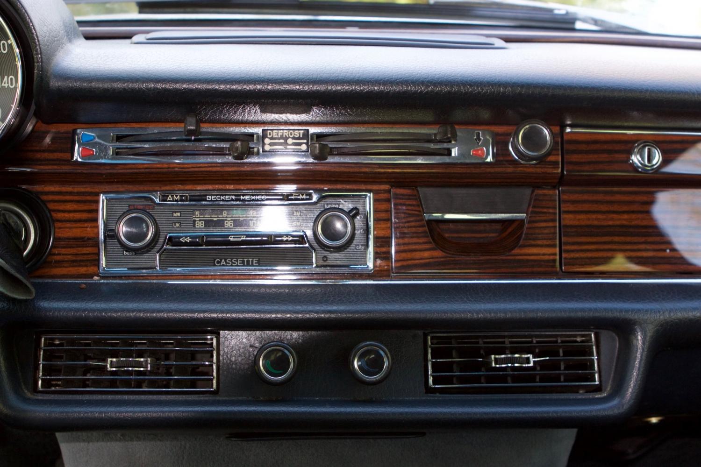 VIN 2875 1970 300SEL 6.3 Silver Blue Metallic - 34.jpg