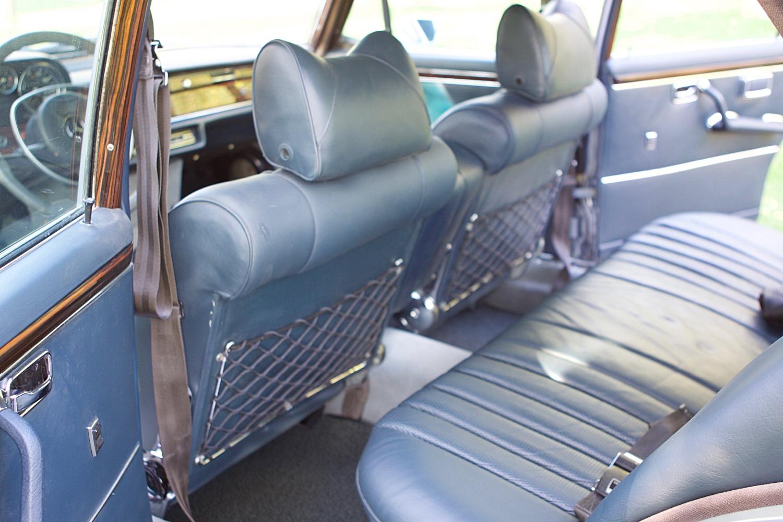 VIN 2875 1970 300SEL 6.3 Silver Blue Metallic - 47.jpg