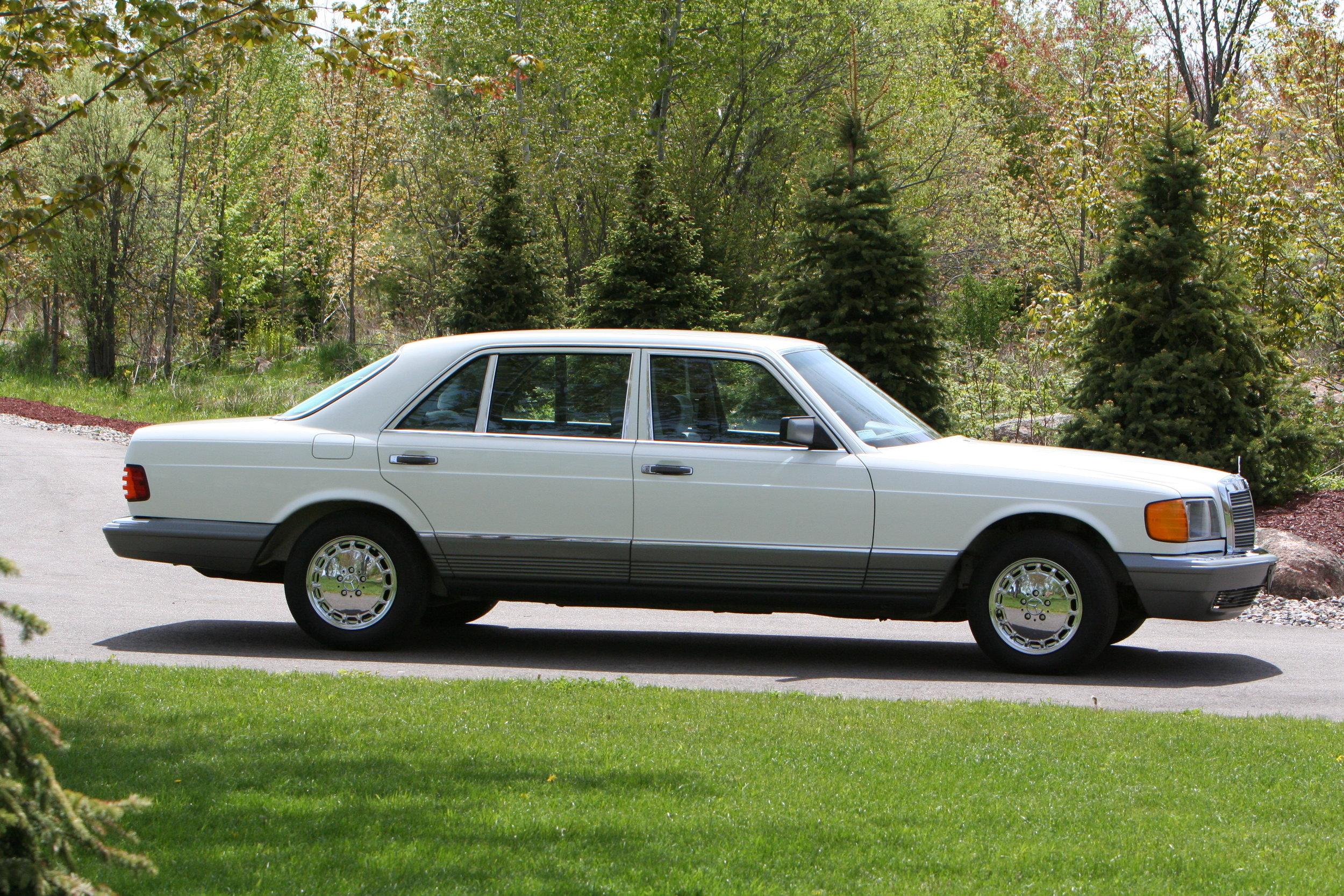 54619 1984 500SEL 9.JPG