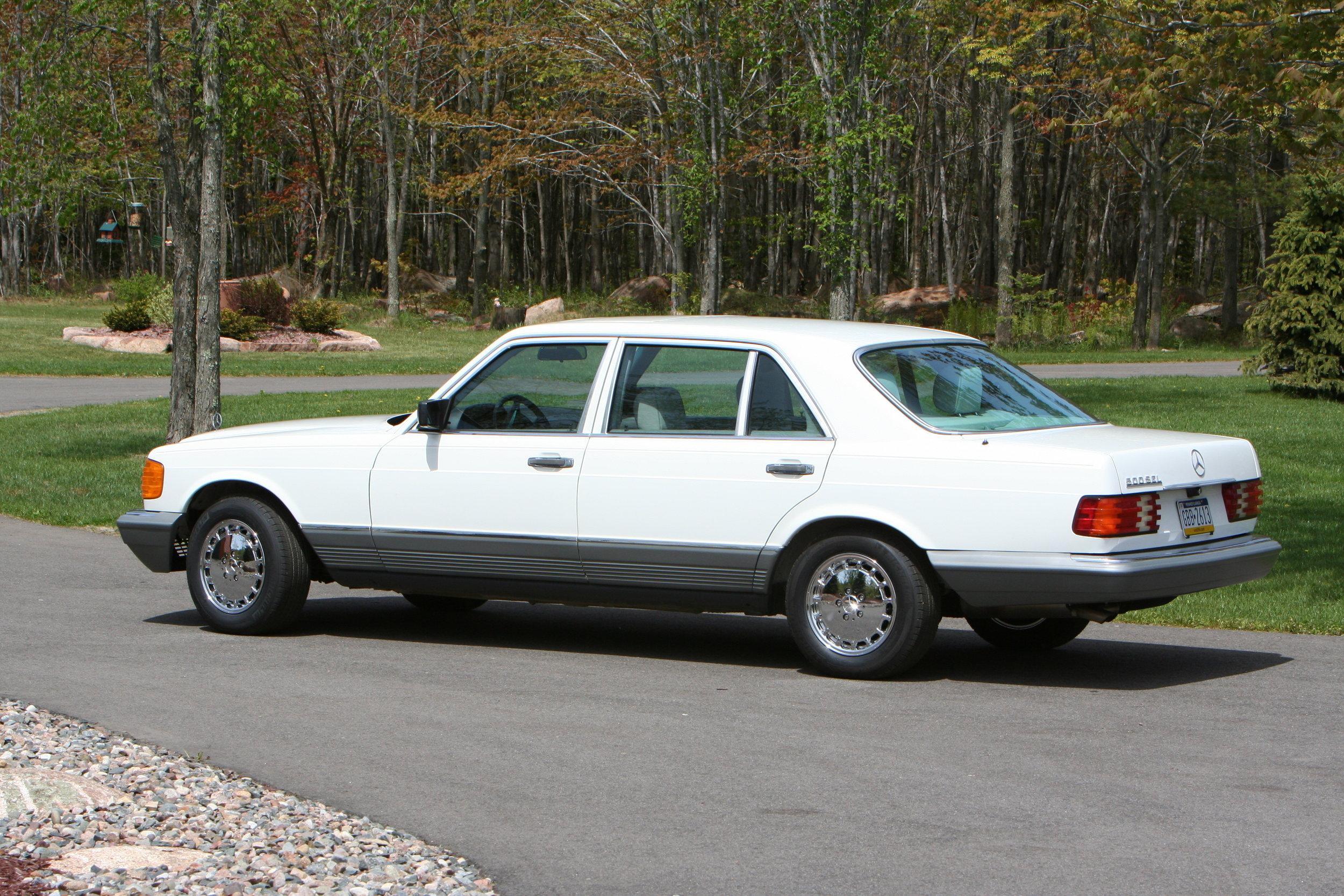 54619 1984 500SEL 12.JPG