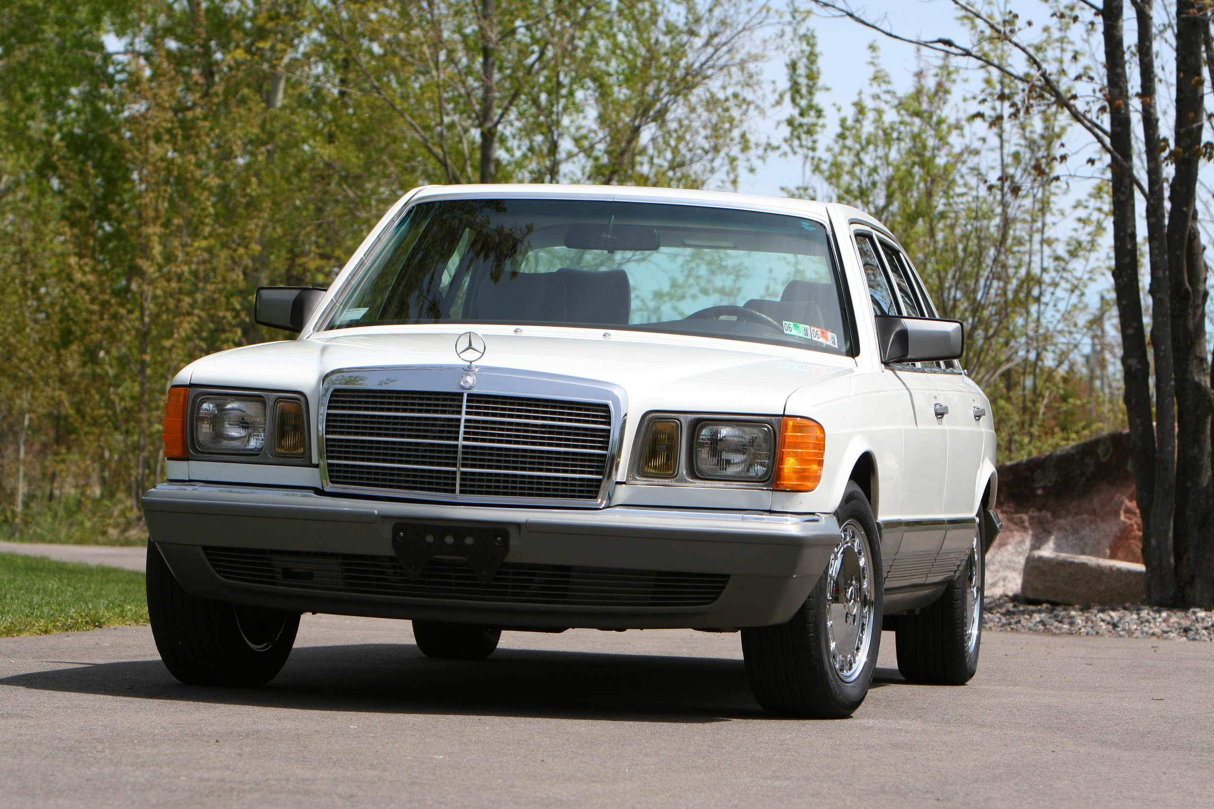 54619 1984 500SEL 13.JPG