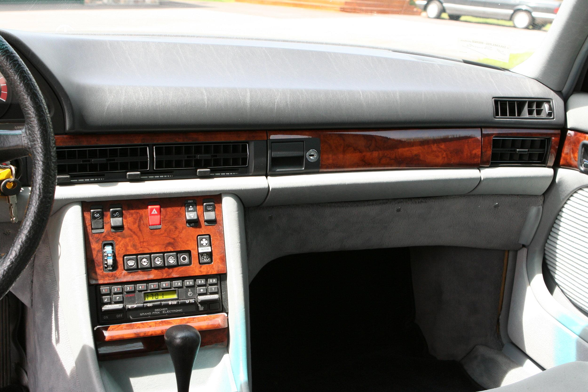54619 1984 500SEL 31.JPG