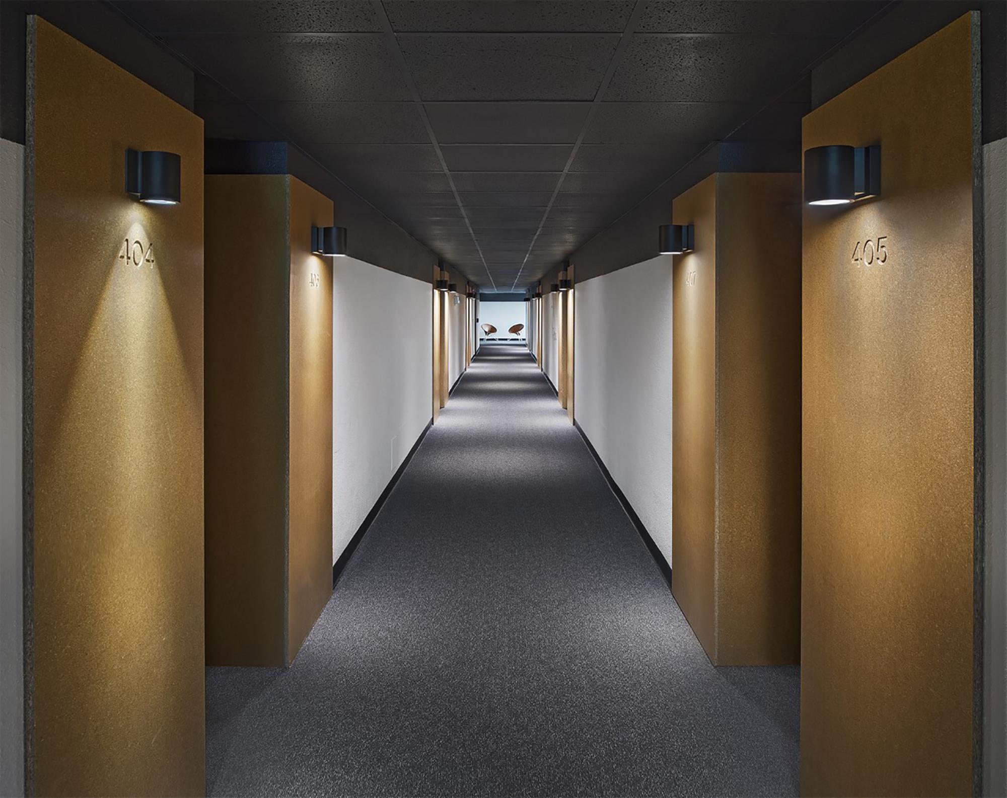 0_Trumbull and Porter Hotel Detroit Hallway to Rooms Photographer John D'Angelo.jpg