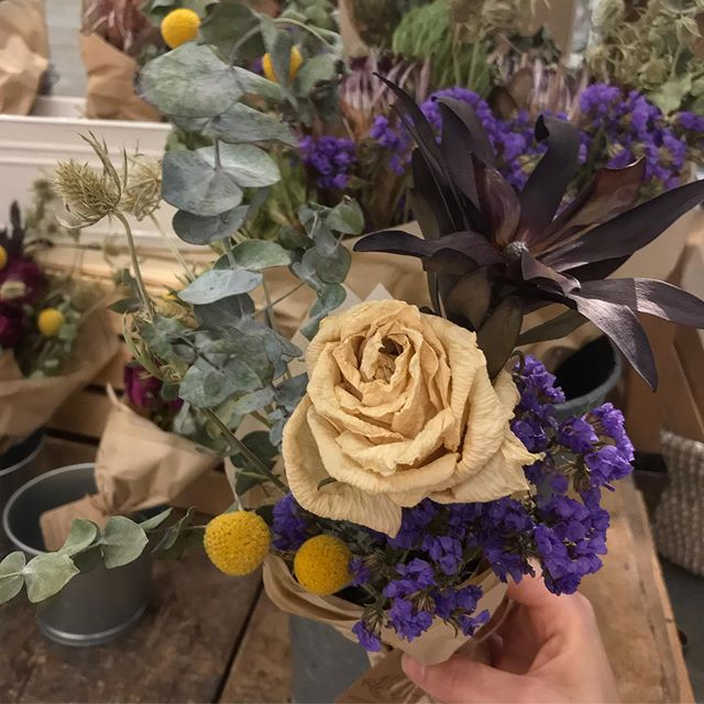 Dried bouquets: Charming, long-lasting, and too pretty for just 1 photo! 👉