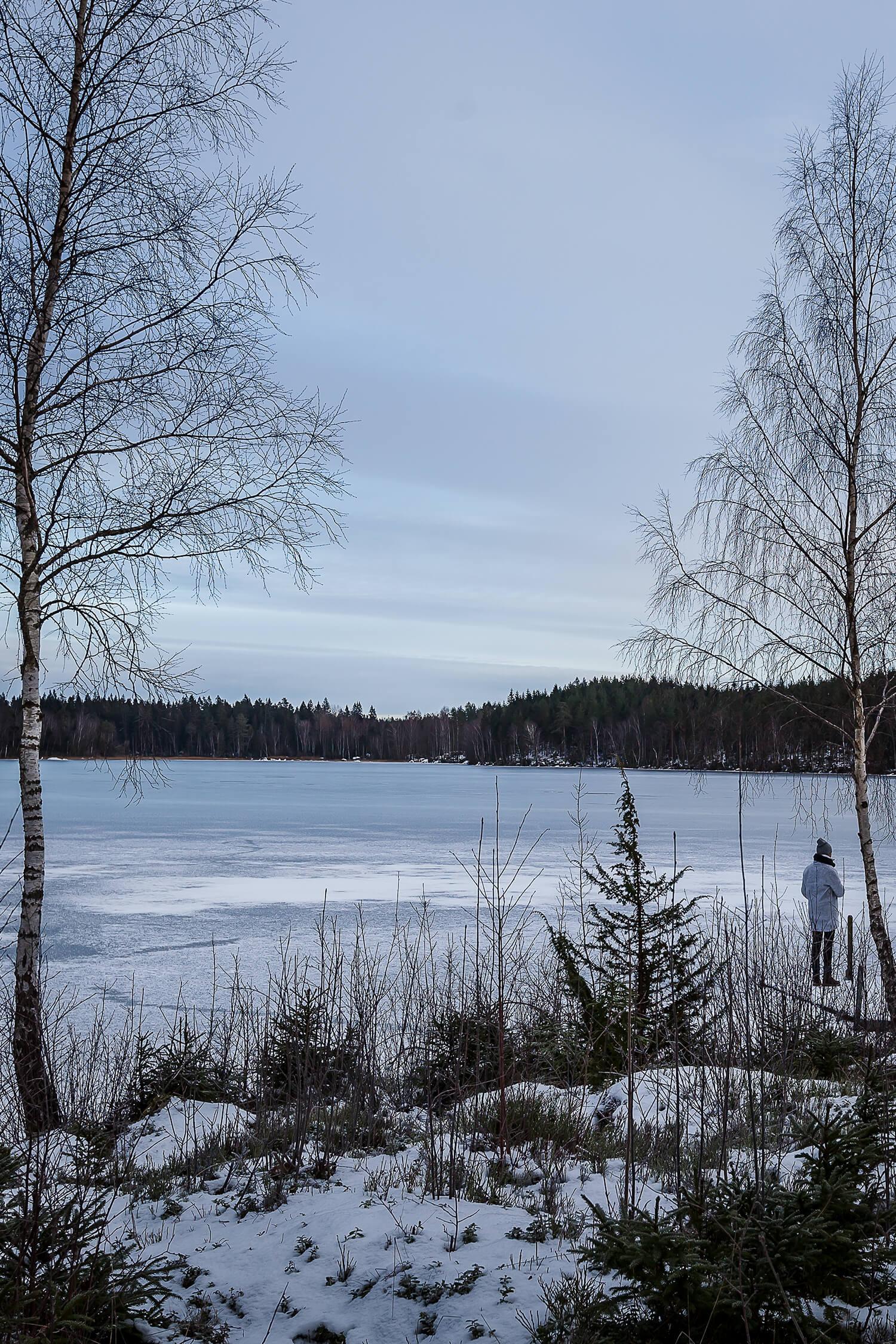 Sweden_lake2_web.jpg