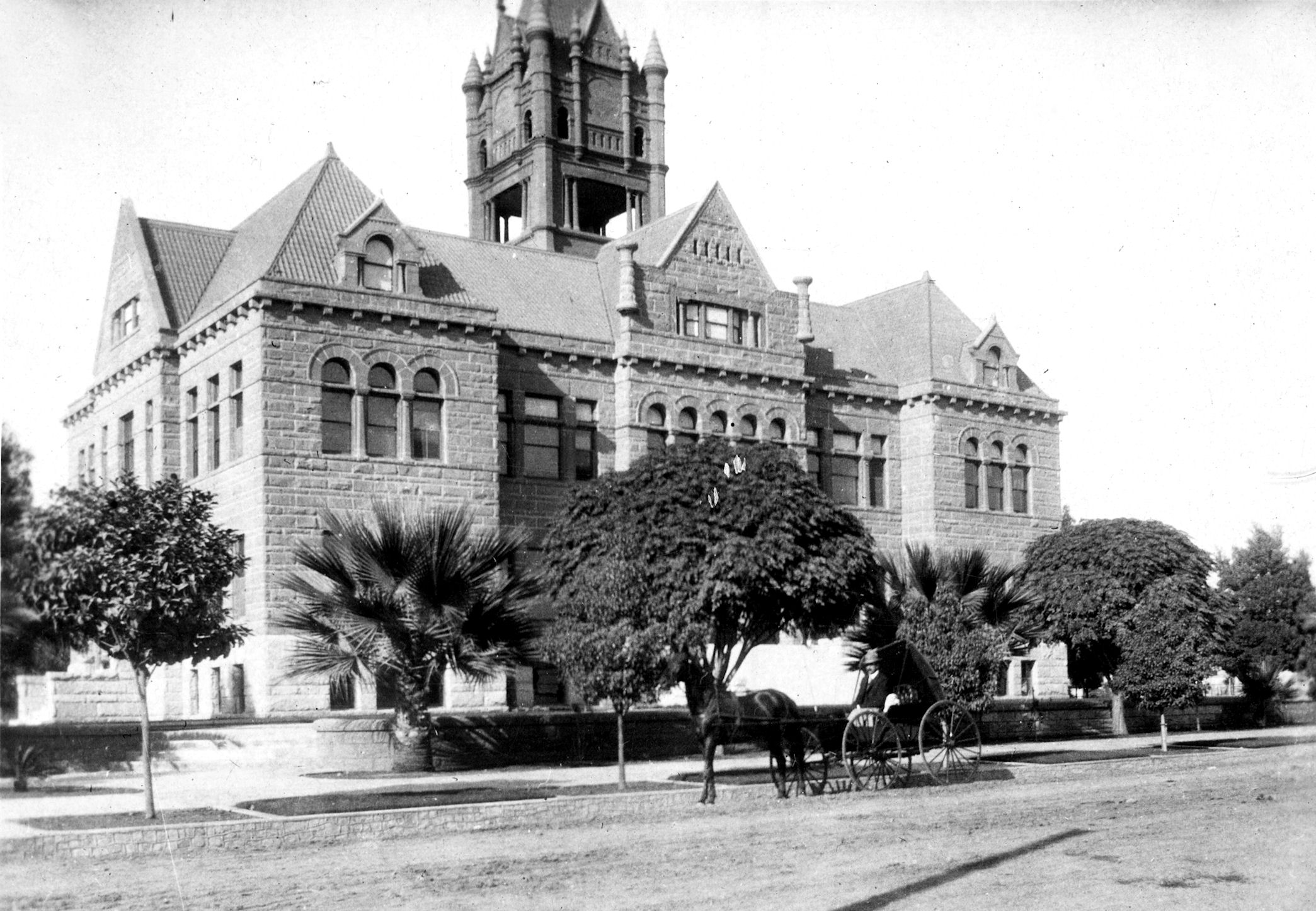 The Old Orange County Courthouse when it was young, 1904 (Phil Brigandi collection).
