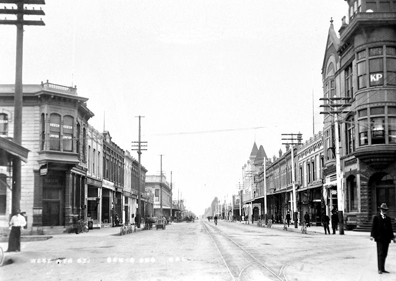Looking west on Fourth Street from Main Street in downtown Santa Ana, circa 1900 (Courtesy Bob Bothamley).