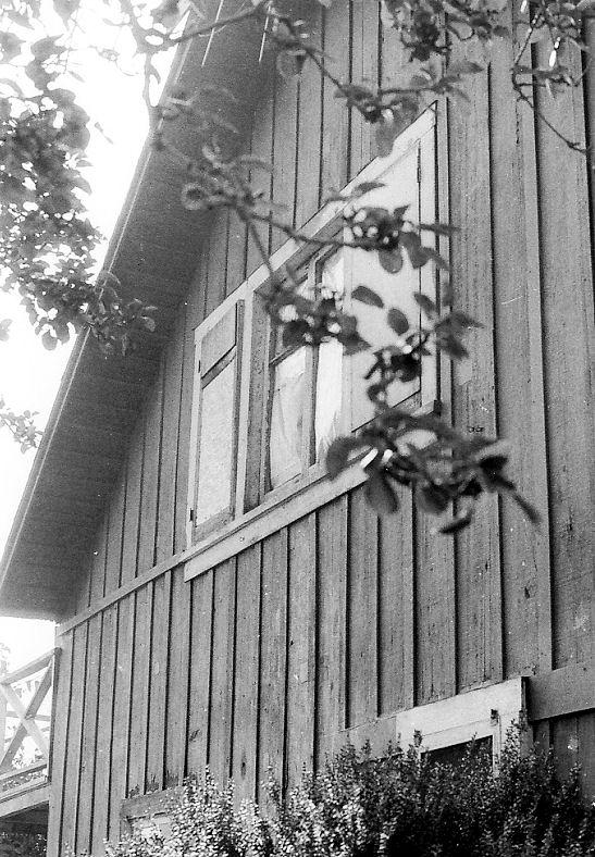 Jessamyn West's childhood home in Yorba Linda -- near the site of today's Jessamyn West Park (photo by Phil Brigandi, 1980).