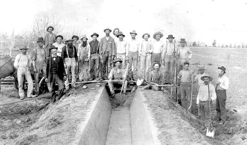 A crew from Anaheim, cementing one of their secondary ditches in 1895 (courtesy the Anaheim Public Library).