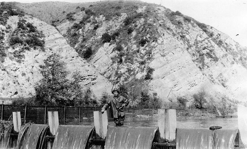 An early division gate in the Santa Ana Canyon (courtesy the Anaheim Public Library).