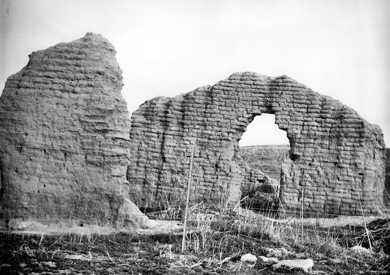 The ruins of the Trabuco Adobe, circa 1940 (courtesy the San Jacinto Museum).