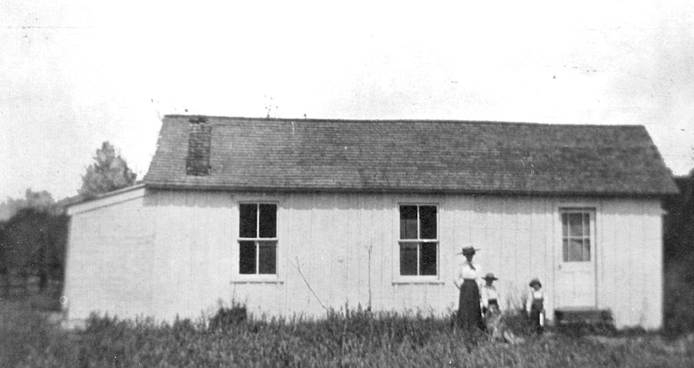 The Trabuco Elementary School, circa 1910; located in what is now O'Neill Regional Park.