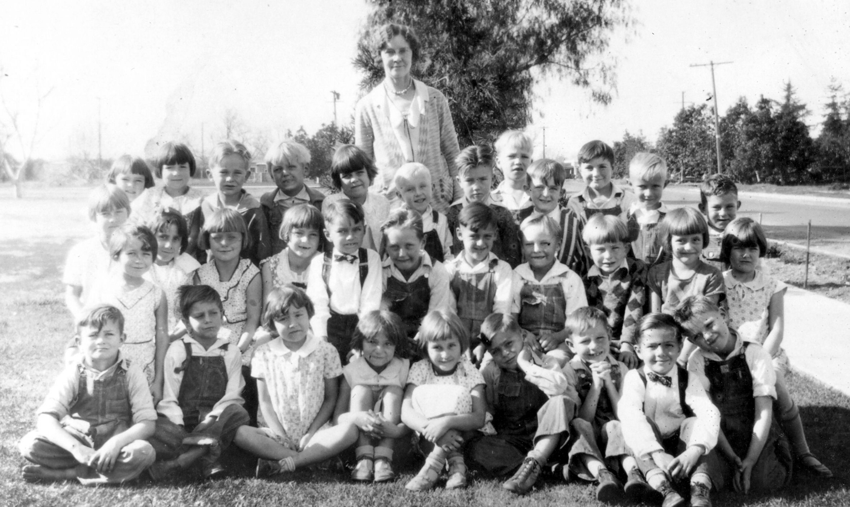 First Grade students at West Orange School, 1930 (courtesy the Orange Public Library and History Center).