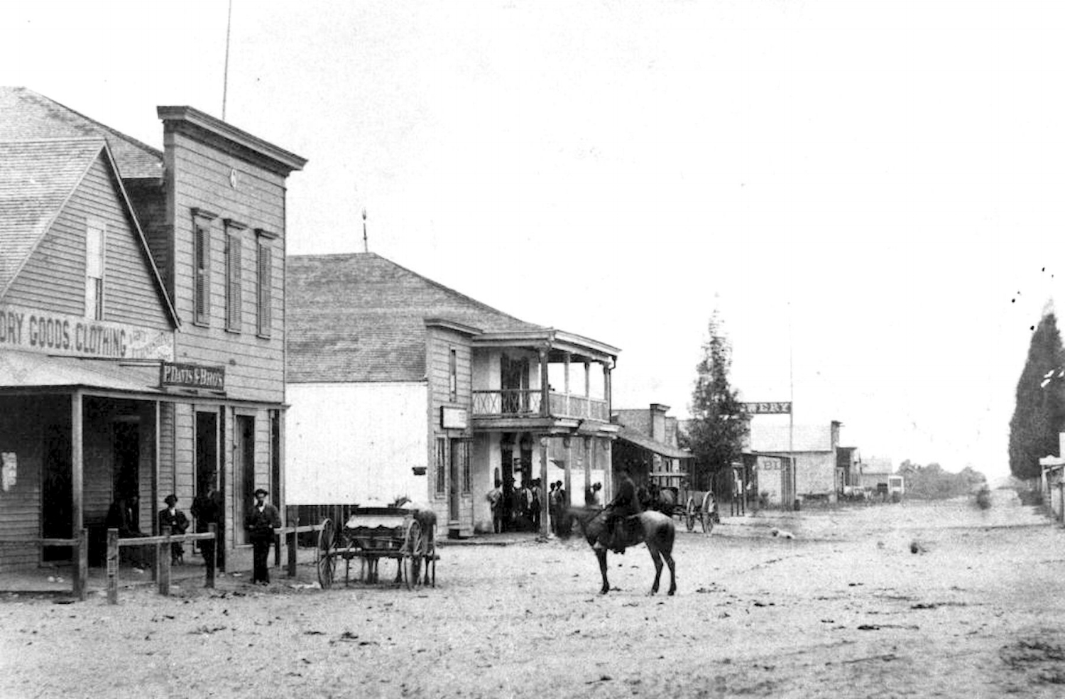 Center Street, Anaheim, ca 1873 (Courtesy the Anaheim Public Library).