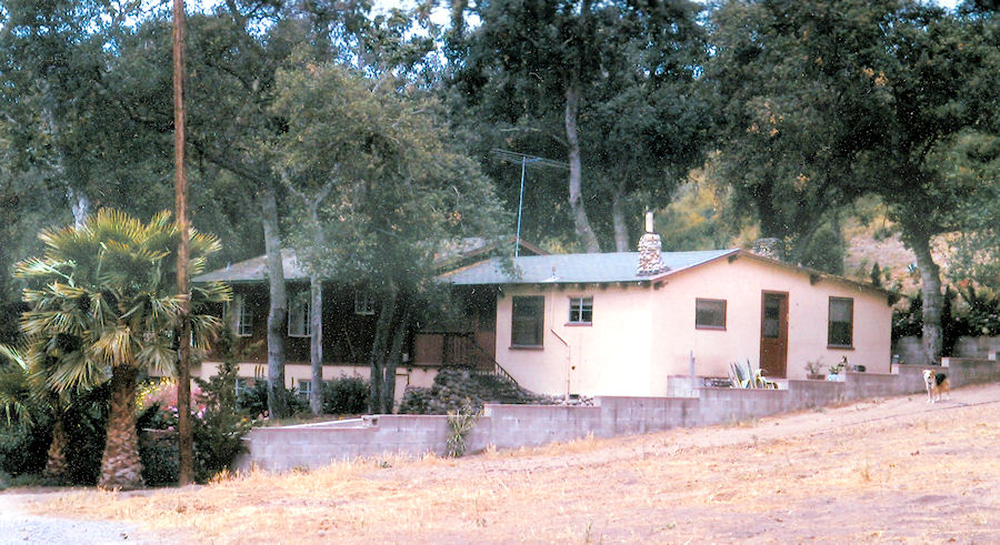 The Gus Straw home (right) in 1976, showing the additions (left) built by Andrew Hoffman. Only the retaining walls stand today (courtesy Dave McIntosh).