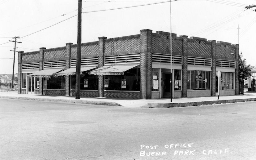Buena Park Post Office, ca 1950 (courtesy the Orange County Archives).