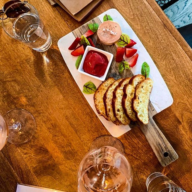 Foie gras au torchon 🇫🇷 @troquetnyc  Accompagné de brioches dorées (toasted brioches) et un coulis fraise, rhubarbe maison (homemade strawberries @ rhubarb coulis) 🍓✨ Come at TROQUET ❤️ to try it and let us know your feedback 😀  Thanks @livebfree_ for the 📸 Like, comment and share 😘