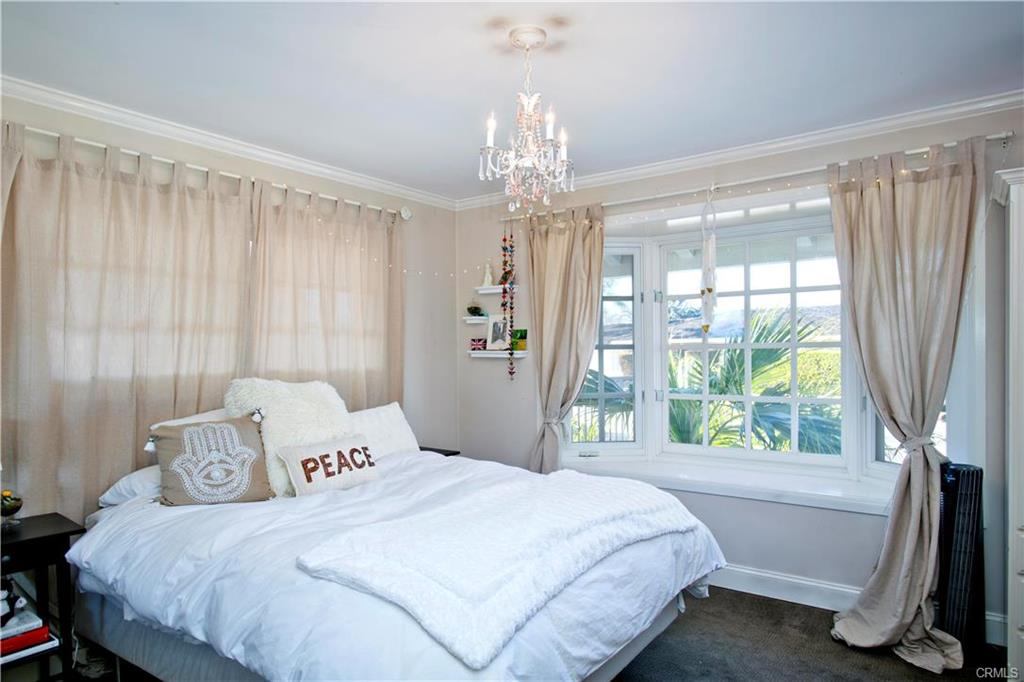 Skylark- bedroom.jpeg