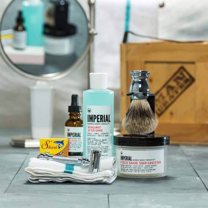 csc-clean-shave-crate_razor_badger_brush_and_aftershave_giftset__76014.jpg