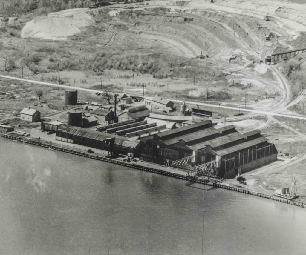 New York Brick Manufacturing History Hutton Brickyards Hudson River.jpg