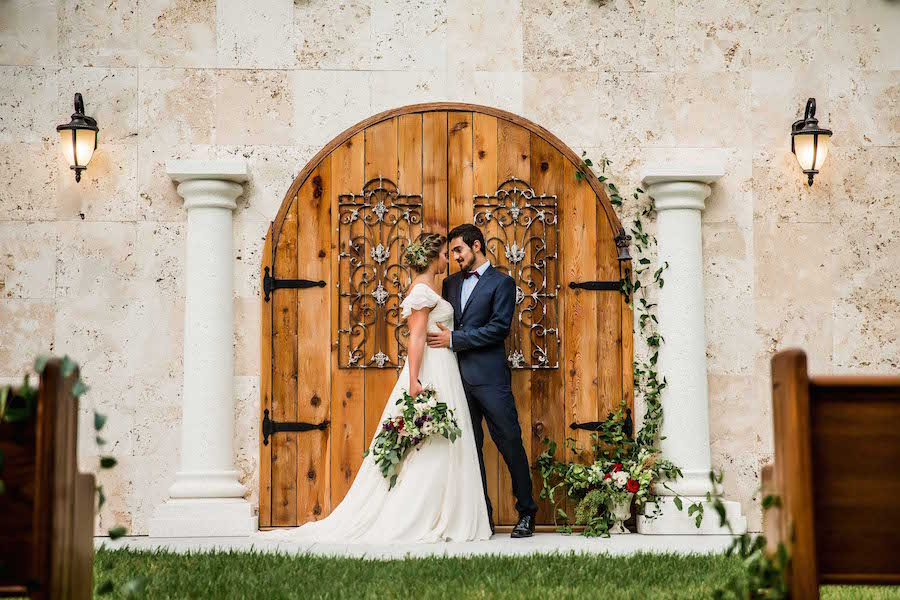 Outdoor Sarasota Wedding Ceremony | Sarasota Wedding Venue Bakers Ranch | Southern Inspired Wedding Styled Shoot