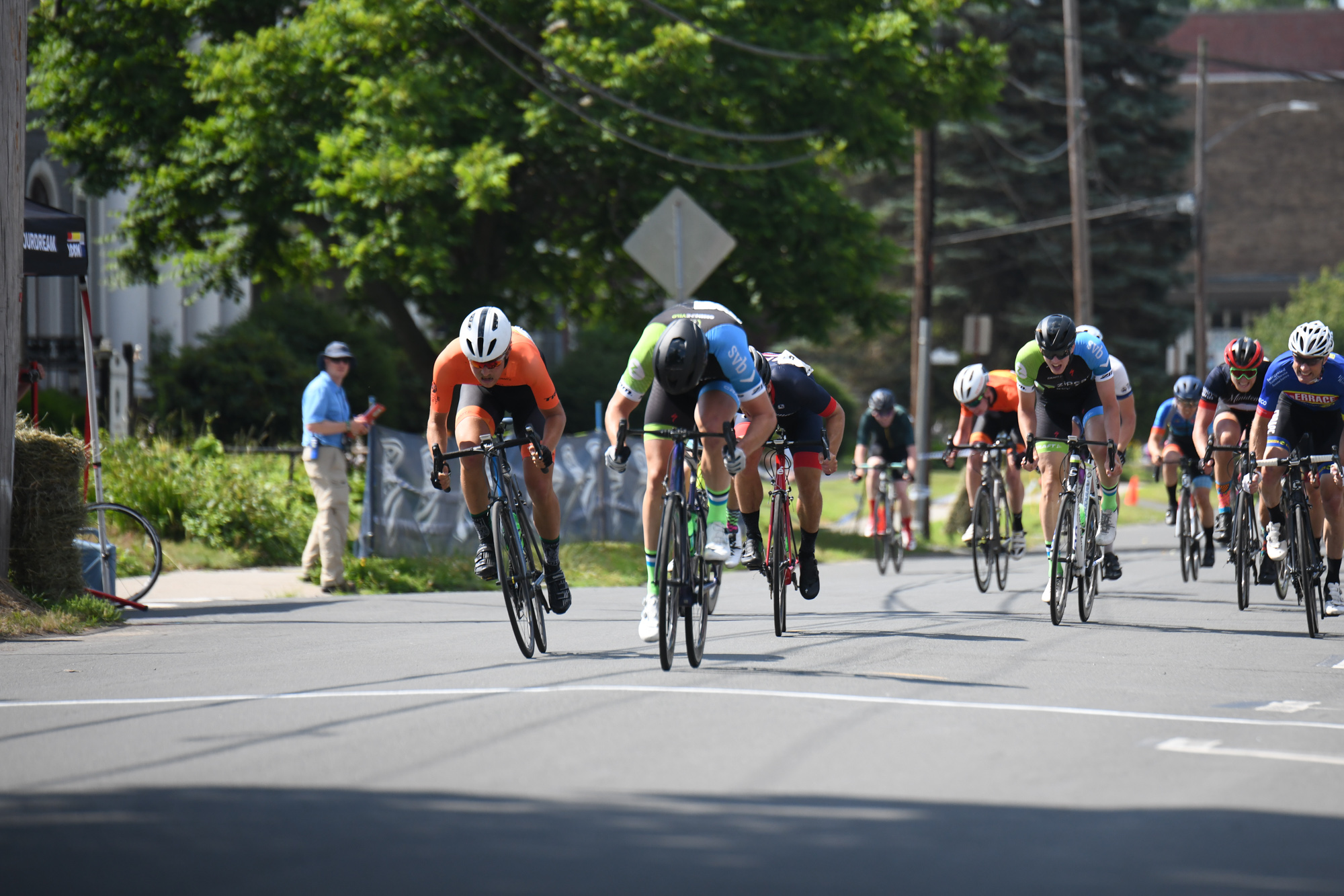 David Sutherland took the win in a large field sprint