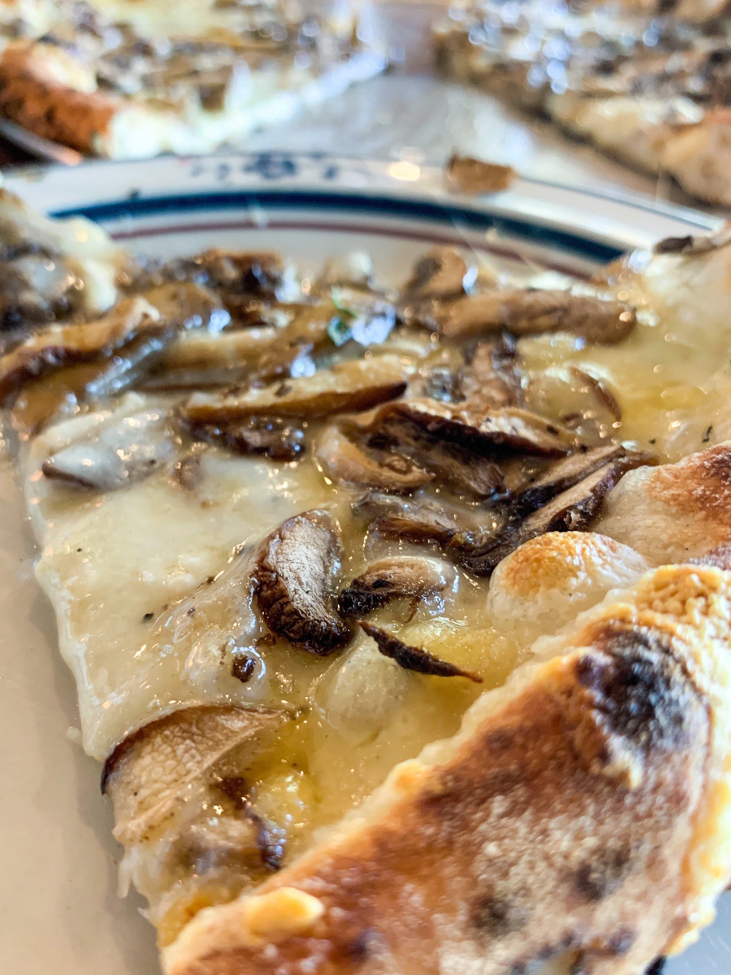 pizza minneapolis young joni.JPEG