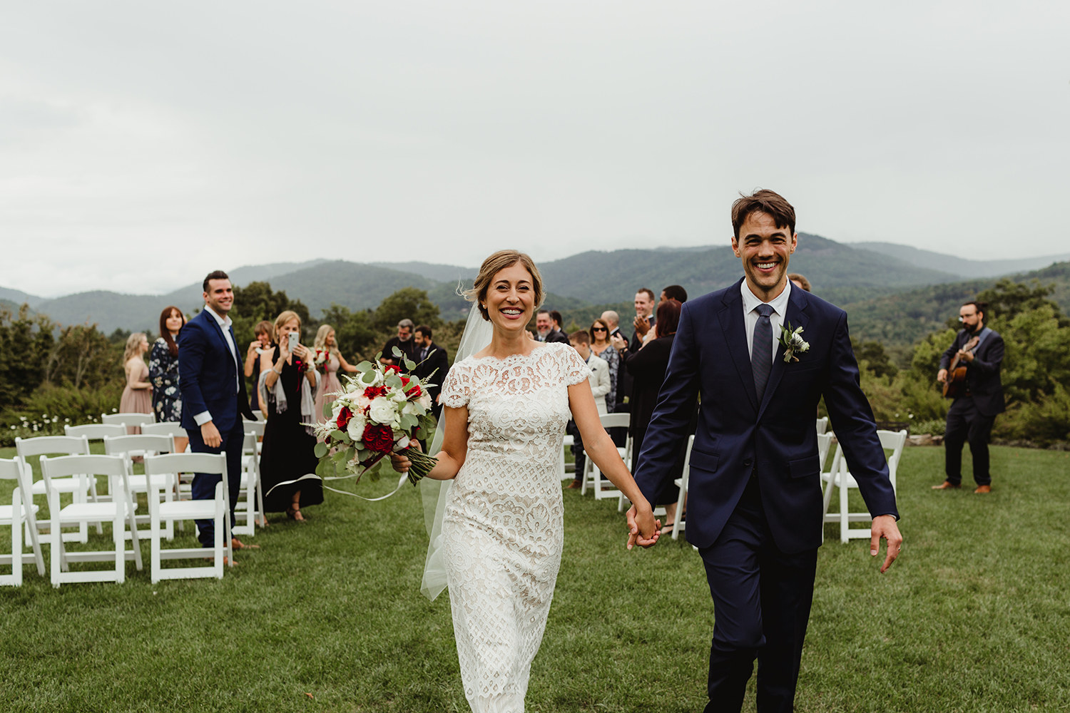 Trillium links & lake club wedding in cashiers, north carolina - beautiful outdoor mountaintop wedding ceremony