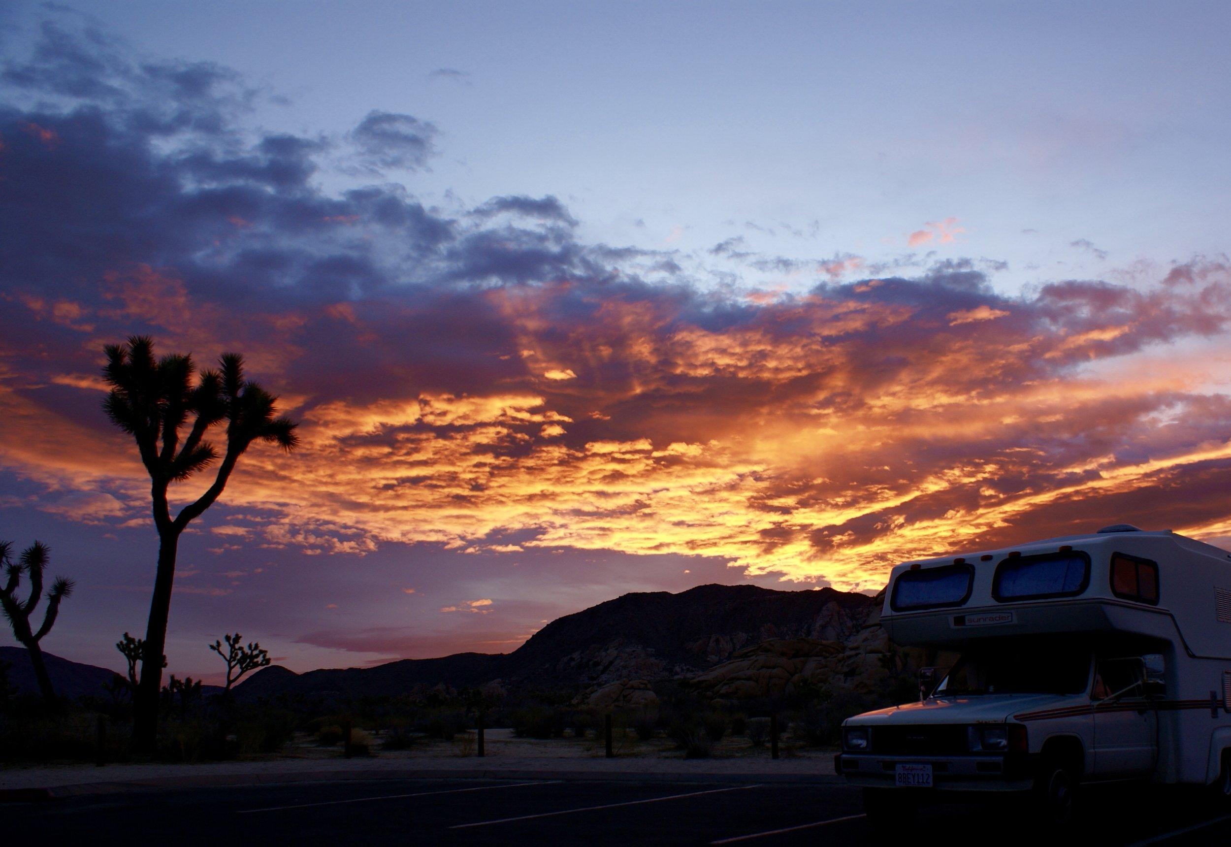 joshua tree sunrader campground sunrise