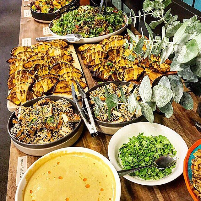 Fridays SPREAD  for @honesttogoodnessau Seasonal Lunch. Plant based and Organic goodness straight from 🌱🌿🌏