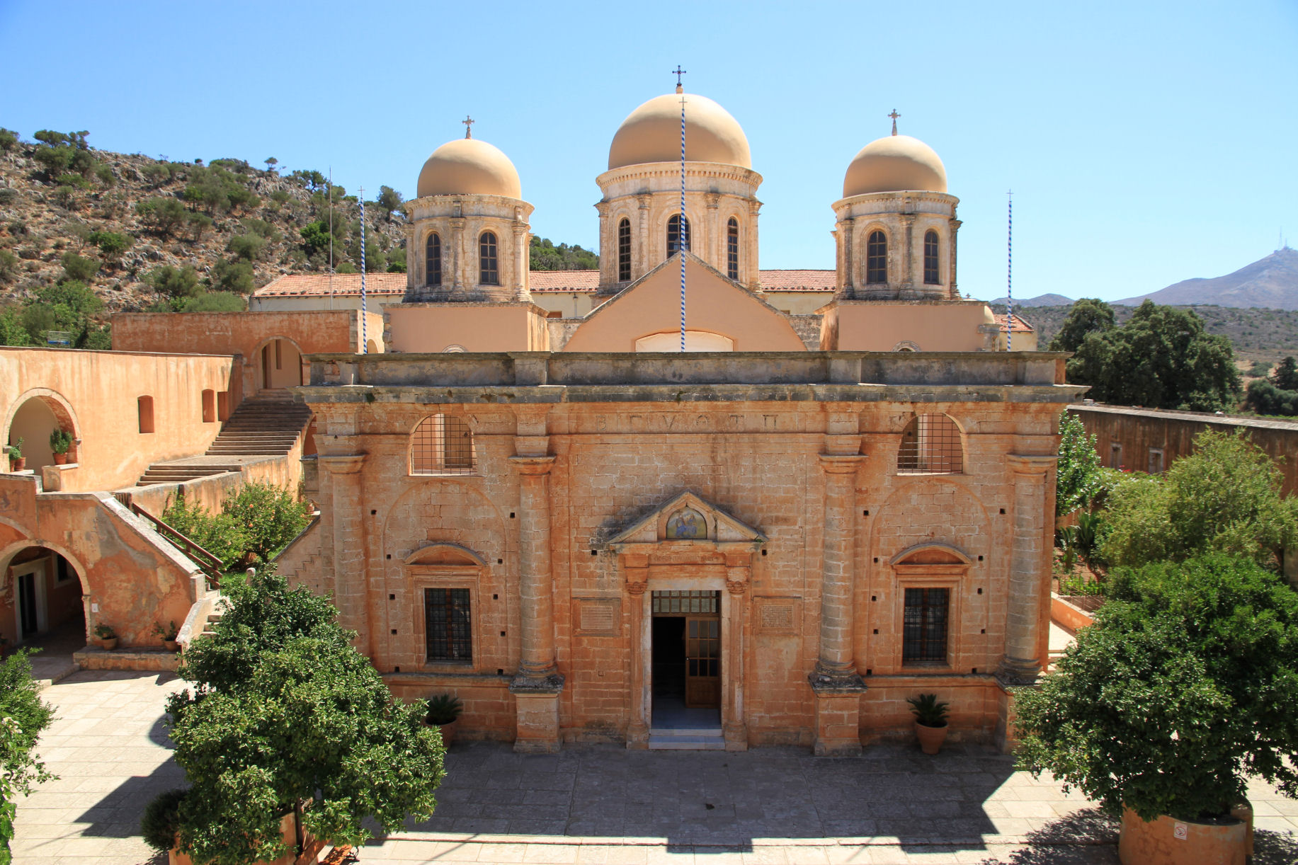 Monastery-of-Agia-Triada-Tzagarolon-chania.jpg