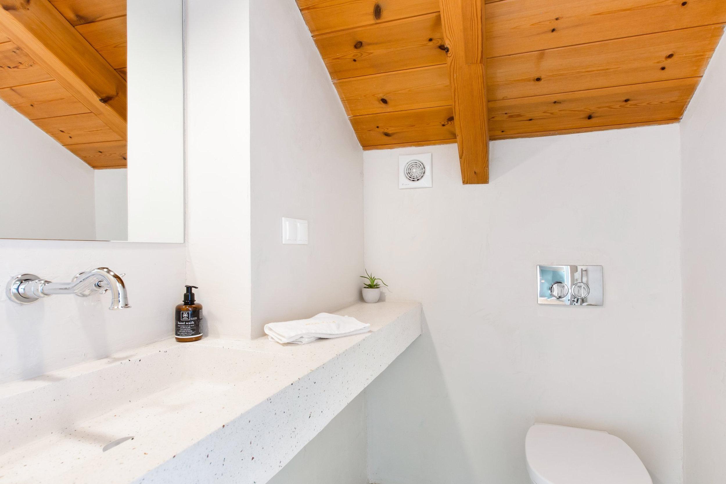 top floor toilet 1.jpg